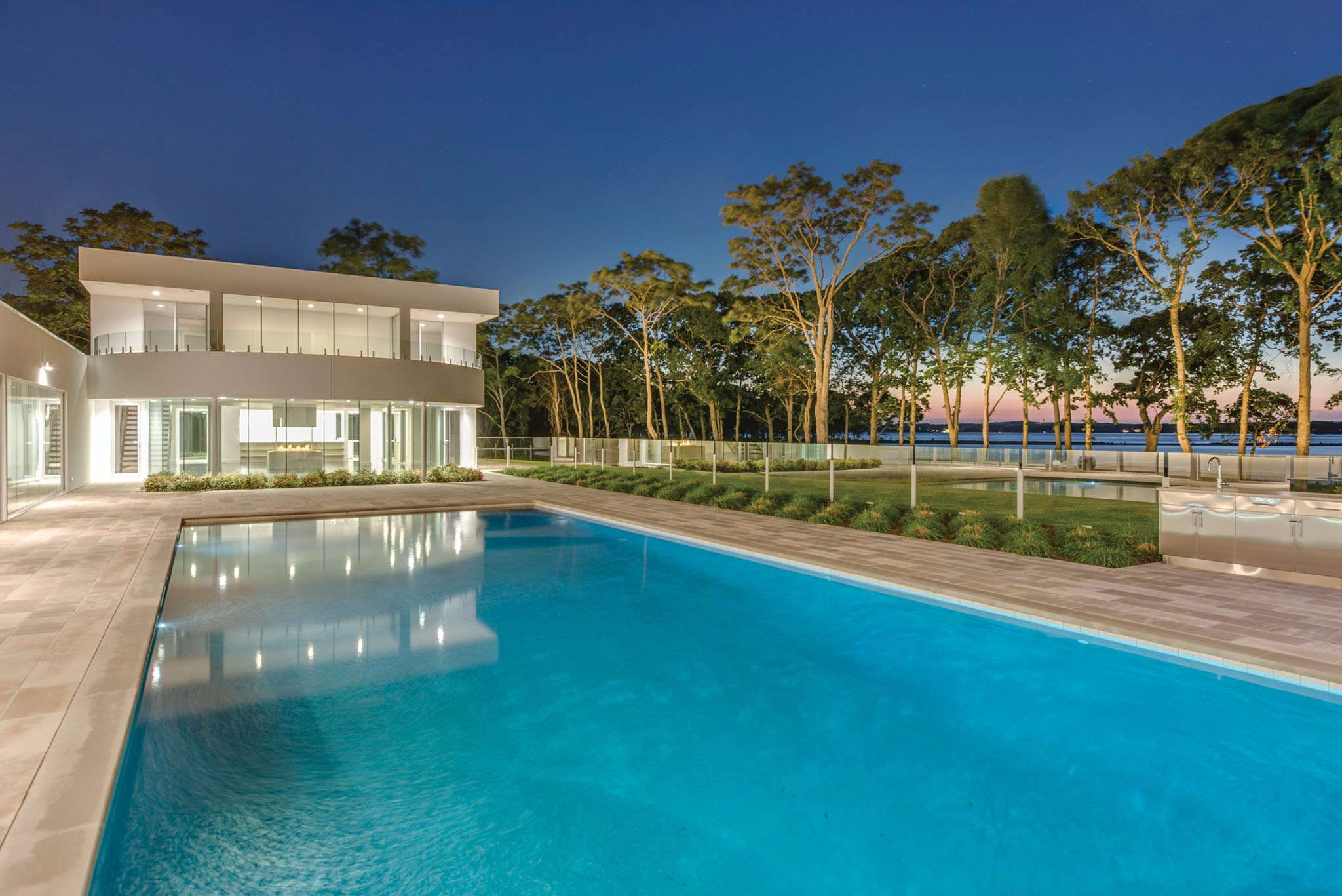 Additional photo for property listing at Modern At The Point 6 Seaponack Drive,  Sag Harbor, New York