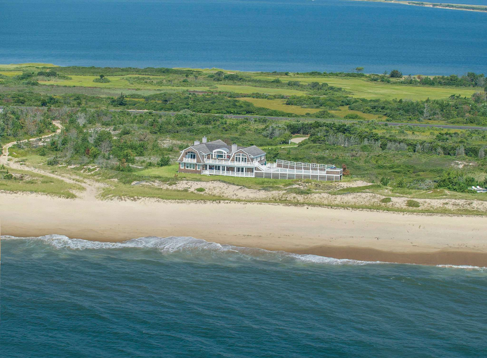 Single Family Home for Sale at Shore Thing 13 Beach Plum Court, Amagansett, New York